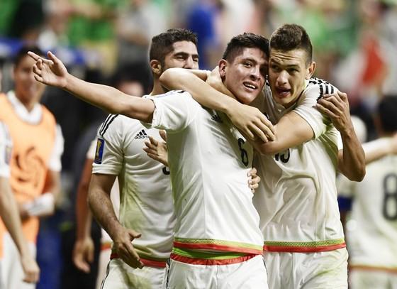 Sau hai kỳ Gold Cup, Mexico mới kết thúc vòng bảng với ngôi đầu.