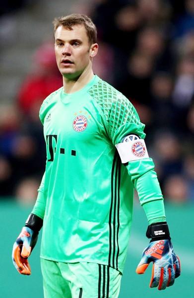 Manuel Neuer là đội trưởng mới của Bayern Munich