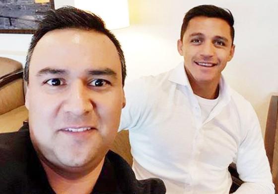 Alexis Sanchez sẽ cùng luật sư của anh trở lại London.