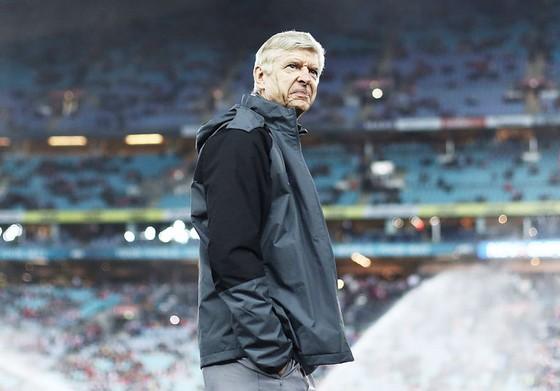 HLV Arsene Wenger đang chuẩn bị cho mùa giải rất nhiều cơ hội nhưng cũng không ít áp lực.