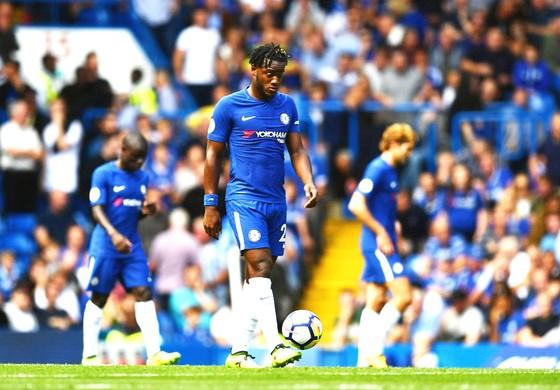 Chelsea phải hứng chịu thất bại cay đắng trong ngày khai màn