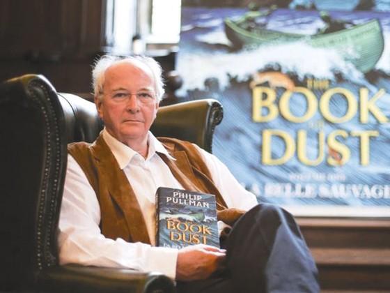 Nhà văn Philip Pullman ra sách mới sau 17 năm  ảnh 1
