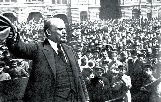 Cách mạng Tháng Mười - Ánh dương luôn chói lọi ảnh 1