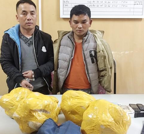 Phá vụ vận chuyển 20kg thuốc phiện, 3.000 viên ma túy ảnh 1
