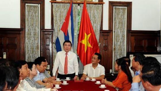 Chủ tịch UBND TPHCM Nguyễn Thành Phong:  Đẩy mạnh hợp tác giữa TPHCM và Cuba ảnh 1