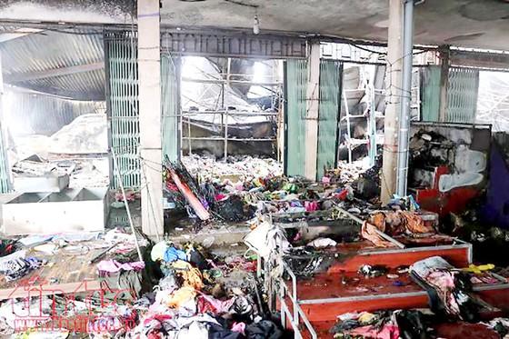 Hỏa hoạn thiêu rụi chợ trung tâm Sóc Sơn ảnh 1