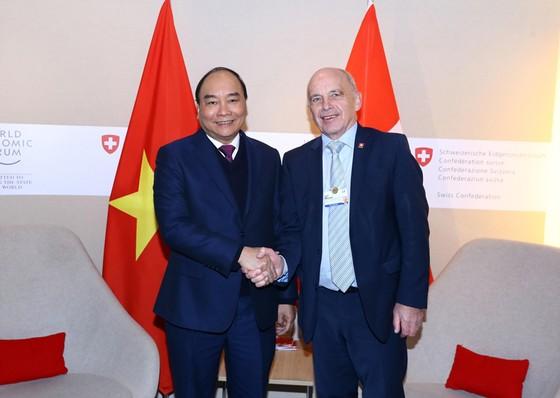 Ký Thỏa thuận hợp tác về xây dựng Trung tâm cách mạng công nghiệp 4.0 tại Việt Nam ảnh 1