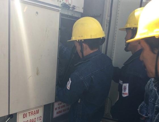 Ngành điện phục vụ khách hàng ngay sau kỳ nghỉ tết ảnh 3
