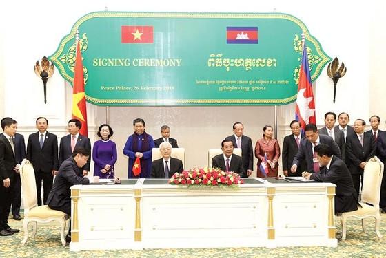 Vì sự phát triển bền vững và tương lai tươi sáng của Việt Nam - Campuchia ảnh 1