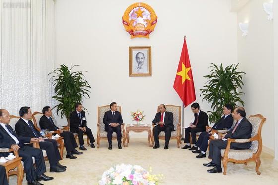 Thủ tướng Nguyễn Xuân Phúc tiếp đoàn đại biểu cấp cao Campuchia, Lào ảnh 1