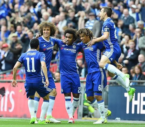 Niềm vui của các cầu thủ Chelsea trong trận thắng Tottenham