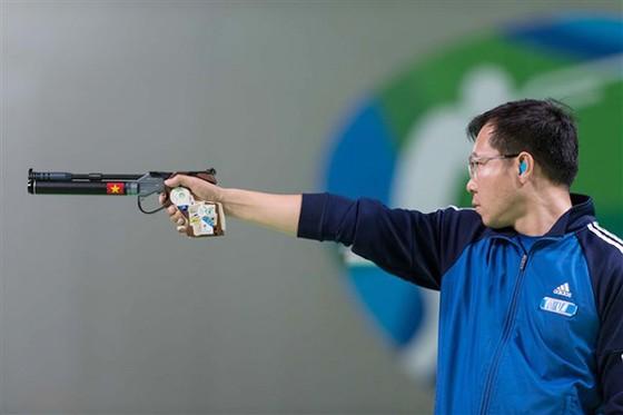 Hoàng Xuân Vinh giành HCV khu vực. Ảnh: T.L