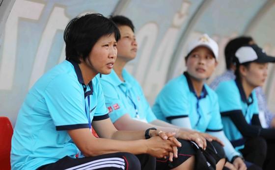 Nỗi lo lắng của HLV Kim Chi. Ảnh: Dũng Phương