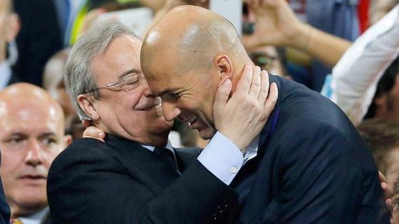 Chủ tịch Perez muốn giữ HLV Zidane đến 2020.