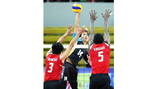 Chủ công Từ Thanh Thuận (đập bóng) sẽ có trải nghiệm đáng nhớ ở Ninh Bình. Ảnh: Nhật Anh