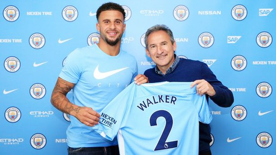 Kyle Walker ra mắt ở Man.City.