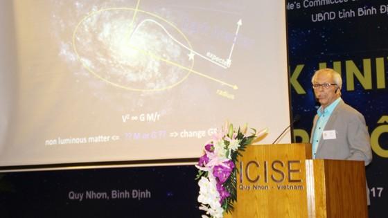 """Giáo sư Gerard 't Hooft, dự sự kiện """"Khám phá vũ trụ tối"""" ảnh 2"""