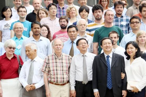 """Giáo sư Gerard 't Hooft, dự sự kiện """"Khám phá vũ trụ tối"""" ảnh 1"""