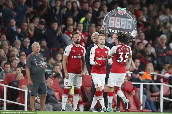 Arsenal ngược dòng ngoạn mục đánh bại Leicester City ảnh 2