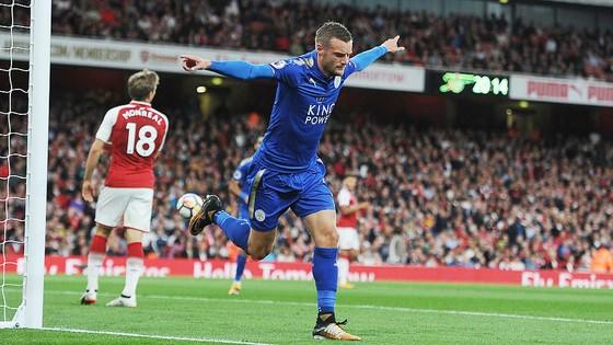 Arsenal ngược dòng ngoạn mục đánh bại Leicester City ảnh 1