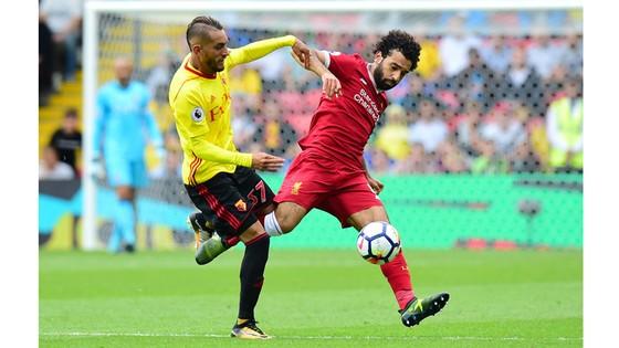 Watford (trái) thi đấu kiên cường dưới thời HLV Silva.