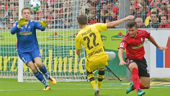Vòng 3 - Bundesliga: Leverkusen bại trận, Dortmund bị cầm hòa ảnh 1