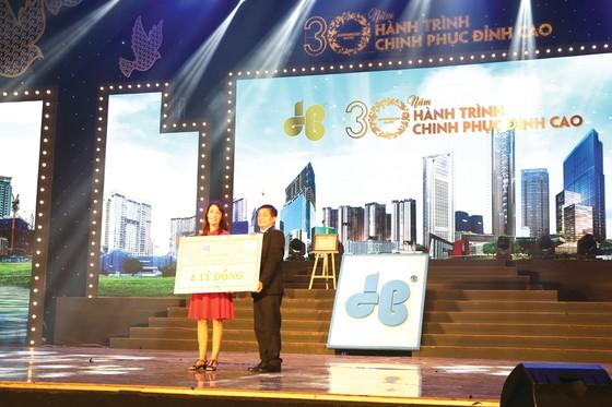 Công ty CP Tập đoàn Xây dựng Hòa Bình đón nhận Huân chương Lao động hạng nhì ảnh 3