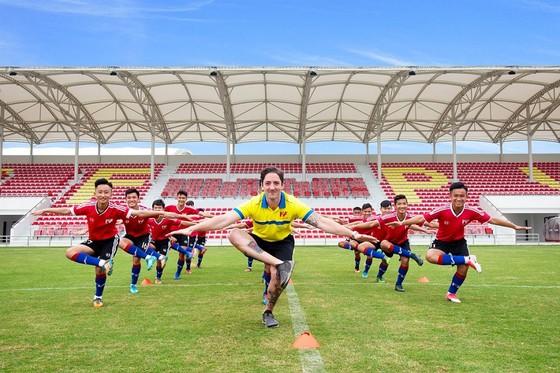 PVF khai trương cơ sở mới - tổ chức giao hữu quốc tế và bổ nhiệm giám đốc bóng đá ảnh 3