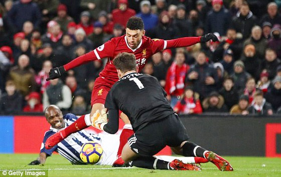 Kết quả Ngoại hạng Anh rạng sáng 14-12: Man.City và Man.United cùng thắng ảnh 1