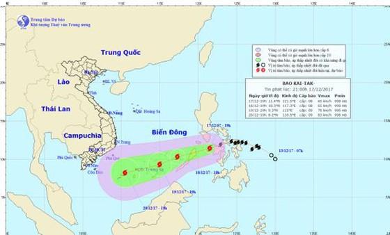 Trưa nay (18-12) bão Kai-tak sẽ vào biển Đông ảnh 1