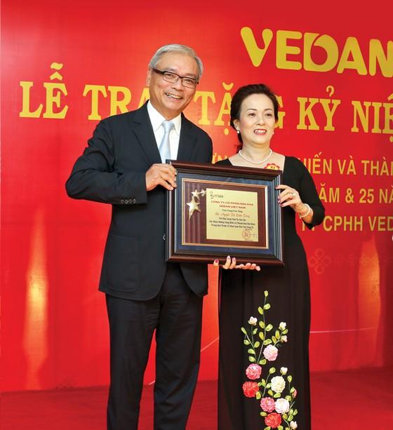 Vedan Việt Nam tri ân người lao động gắn bó 20 năm và 25 năm ảnh 1