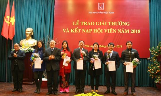 Giải thưởng Hội Nhà văn Việt Nam 2017: Tác phẩm lý luận phê bình lên ngôi ảnh 1