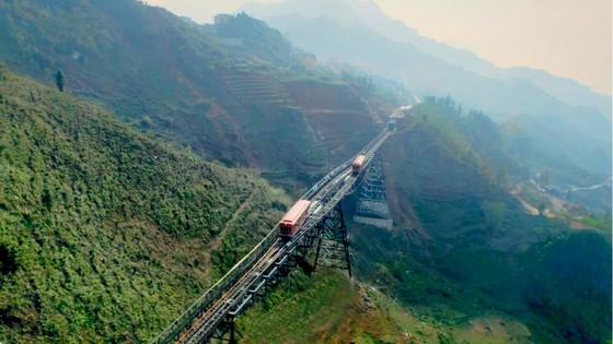 Cảnh sắc Tây Bắc có một không hai nhìn từ tàu hỏa leo núi Mường Hoa ảnh 10