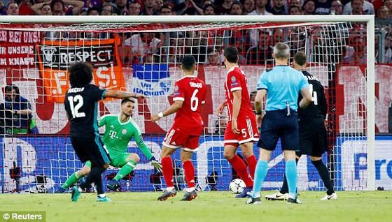 Real Madrid hạ Bayern Munich 2 - 1 ngay tại Allianz Arena ảnh 2
