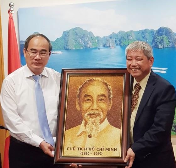Đoàn đại biểu TPHCM thăm Đại sứ quán Việt Nam tại Israel ảnh 1