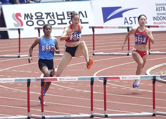 Quách Thị Lan vào chung kết 400m rào nữ trong ngày 26-8. Ảnh: DŨNG PHƯƠNG