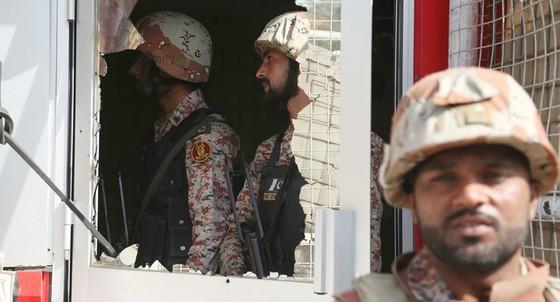 Tấn công tự sát vào Lãnh sự quán Trung Quốc ở Pakistan ảnh 1