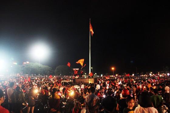 Một đêm thức trắng cùng chiến tích của tuyển Việt Nam ảnh 17