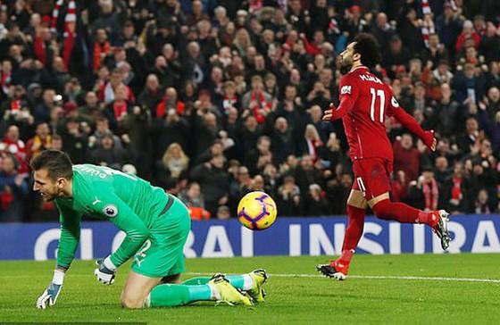 Leicester bất ngờ đánh bại Man.City 2 - 1, Liverpool tiếp tục bay cao ảnh 1