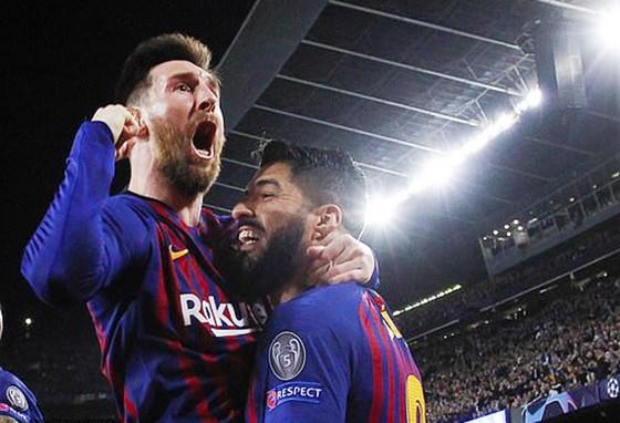 Messi và Suarez cùng ghi bàn giúp Barcelona thắng Liverpool. Ảnh: Reuters