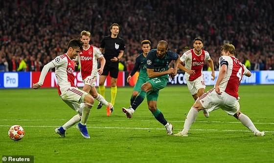Người hùng Lucas Moura đưa Tottenham vào chung kết Champions League 2019 ảnh 3