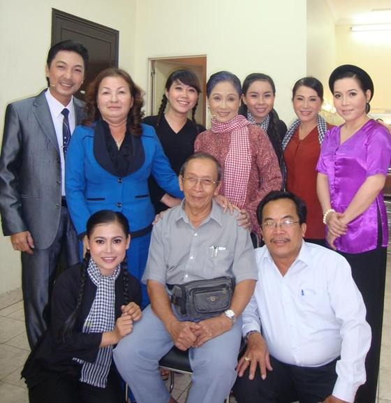 NSND, họa sĩ Phan Phan - Người cả đời gắn bó với thiết kế sân khấu ảnh 1