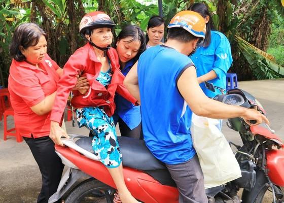 Khám bệnh, phát thuốc, tặng quà cho người dân huyện Bình Chánh ảnh 4
