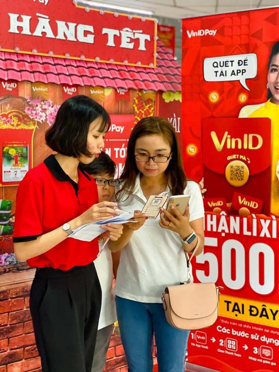 Nô nức mua hàng VinMart, săn lì xì của VinID Pay ảnh 4