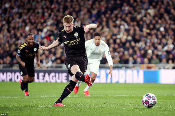 Lượt đi vòng 16 đội Champions League 2020: Real Madrid 'sụp đổ' trước Manchester City ảnh 2