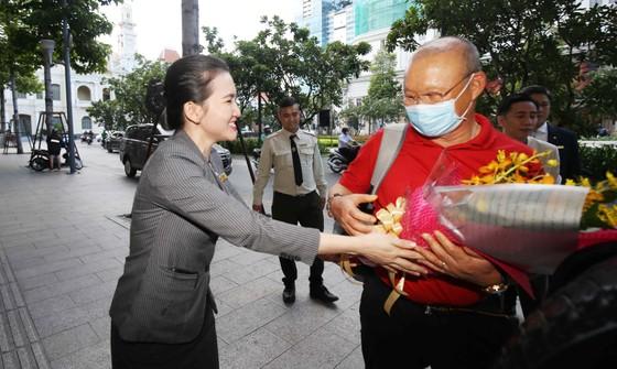Đỗ Hùng Dũng, Huỳnh Như, Trần Văn Vũ đoạt Quả bóng Vàng Việt Nam 2019 ảnh 32