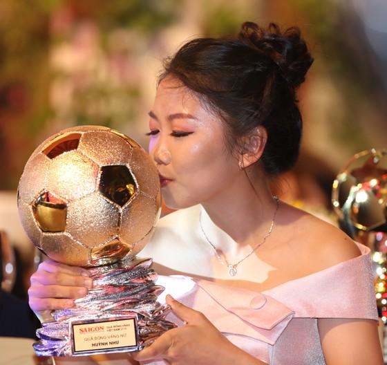 Đỗ Hùng Dũng, Huỳnh Như, Trần Văn Vũ đoạt Quả bóng Vàng Việt Nam 2019 ảnh 11