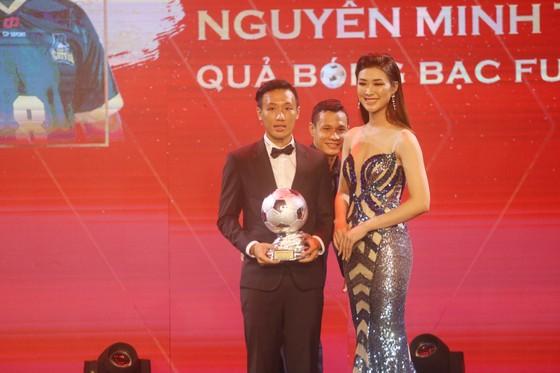 Đỗ Hùng Dũng, Huỳnh Như, Trần Văn Vũ đoạt Quả bóng Vàng Việt Nam 2019 ảnh 15