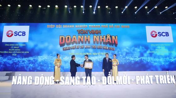 """SCB nhận danh hiệu """"Doanh nghiệp doanh nhân TPHCM tiêu biểu năm 2020"""" ảnh 2"""