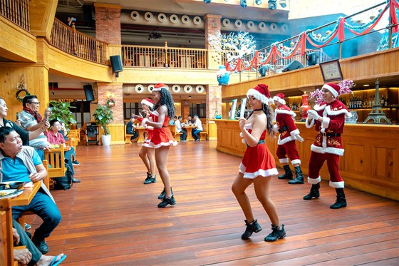 Mùa Giáng sinh 2020 tại Sun World Ba Na Hills sẽ kéo dài đến 31-12 ảnh 1